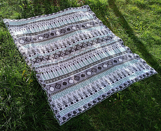 Large free blanket with paid border