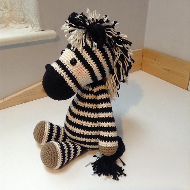 Bert's Zebra Amigurumi [Free Crochet Pattern] | 640x640