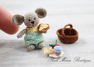Tiny Crochet Mouse - Repeat Crafter Me | 229x320