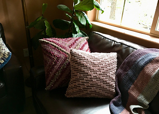 X Pillow with Vel-Luxe yarn in Dusty Pink as Yarn A and Simply Soft yarn in Taupe as Yarn B.