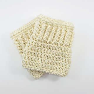 Boot Cuffs Pattern. Free Crochet Pattern. Oombawka Design Crochet. Customizable to all sizes.