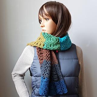 Sanguine Scarf. Free Pattern from Oombawka Design Crochet. #scarfofthemonthclub2018 July