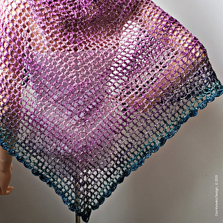 Simple Summertime Shawl Pattern. Free Pattern from Rhondda Mol, Oombawka Design Crochet. #shawlinaball #lionbrandyarn