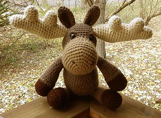 Crochet Moose - A Bitty Bumble - Crochet 365 Knit Too | 234x320