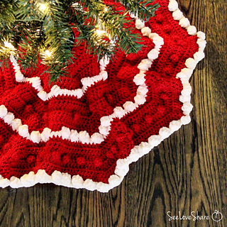 Christmas Tree Skirt Patterns.Bobble Christmas Tree Skirt Pattern By See Love Share