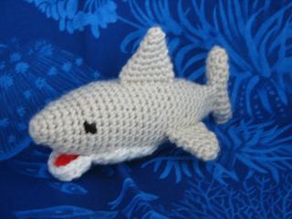 Amigurumi Shark Keychain Crochet Free Patterns - Crochet & Knitting | 240x320