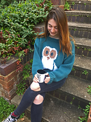 Sweater shown in size 91-97cm/36-38in (second size)