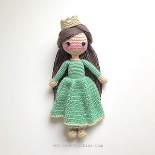 Ravelry: Hana in a Hanbok, International Doll (Korean) pattern by ... | 320x320