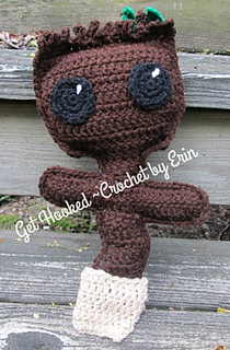 Free Crochet Pattern: Potted Baby Groot from Guardians of the ... | 320x210