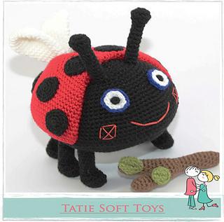 Amigurumi doll in ladybug costume - Amigurumi Today | 317x320