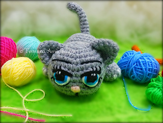 White Wizard's Owl and Evil Witch's Black Cat [Free Crochet Pattern] | 241x320