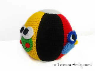 Red Angry Bird · A Bird Plushie · Crochet and Amigurumi on Cut Out ... | 240x320