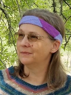 "Headband for adult average women's size (21 1/2"")."