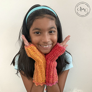 Tropical Sunset Fingerless Mitts by The Stitchin' Mommy