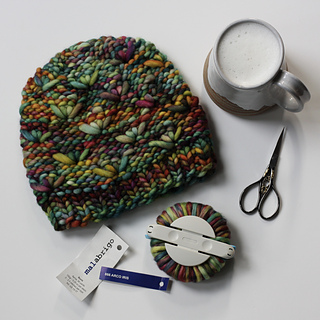 This hat shows the same pattern as the pink hat, with wrong side out. This hat is reversible!