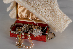 Gloves and vintage jewelry