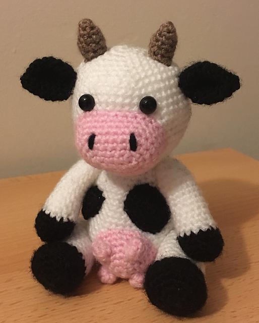 Crochet cow pattern PDF digital. crochet pattern amigurumi