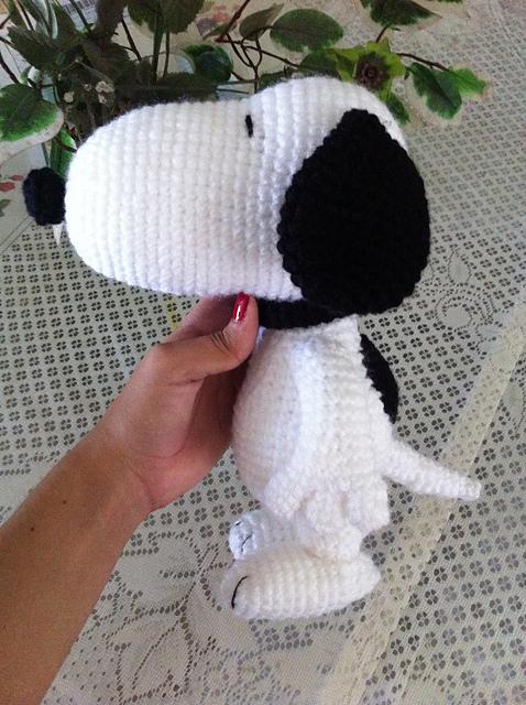 Snoopy Free Crochet Pattern by Elisa's Crochet | 640x478