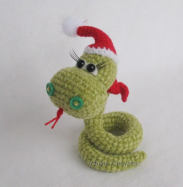 Crochet Snake Amigurumi Doll Pattern | AllFreeCrochet.com | 640x628
