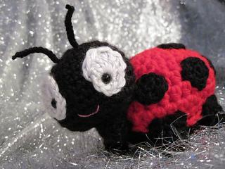 Crochet Ladybug Amigurumi Free Patterns - DIY Magazine | 240x320