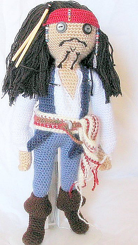 FREE Doll Crochet Patterns - The Lavender Chair | 500x283