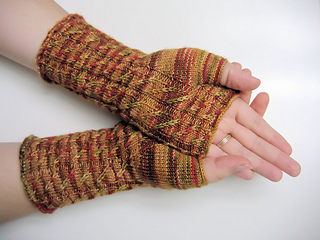 Cable twist handwarmers