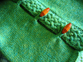 A cardigan for Merry - close-up