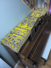 Interlocking Table Runner (no extra repeats). Purple as MC