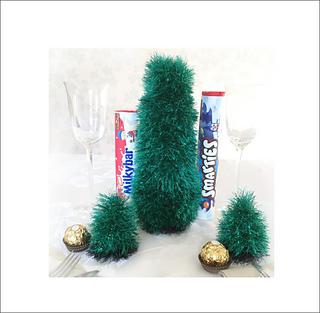 Christmas Knitting Patterns For Ferrero Rocher.Christmas Tree Covers For Smarties Ferrero Rocher Pattern By Ayrshire Knits