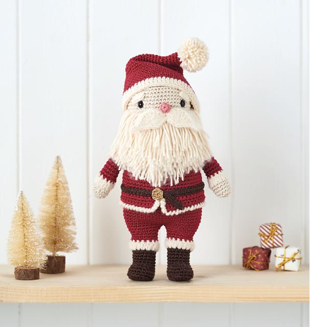 Violini e Violette: Cappellino di Babbo Natale a uncinetto | 640x607