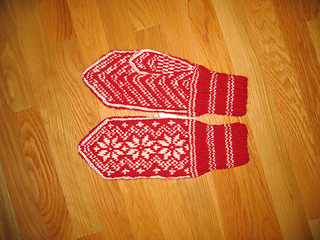 Ravelry: Norwegian Mitten Pattern pattern by Mary Knutson