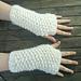 Cosy seed stitch wrist warmers pattern