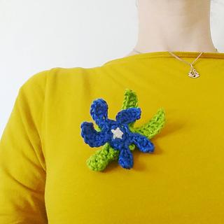 Mad Madam Mel: Crocheted Fox Brooch Tutorial | 320x320