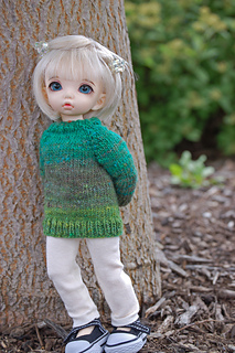 Merryweather patiently modeling a sweater in August!