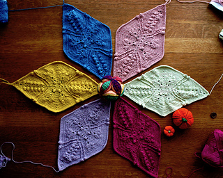 part 2 おそらく編み直した分をカウントすると9枚分くらいは編んだと思う。