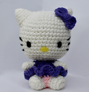 Hook-Paper-Scissors: Crochet Hello Kitty Key Chain Hanger with Pattern | 320x309