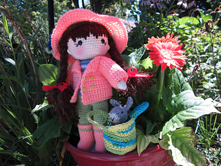 Ravelry: Lind Doll pattern by Tapanee Chaovanavatee   240x320
