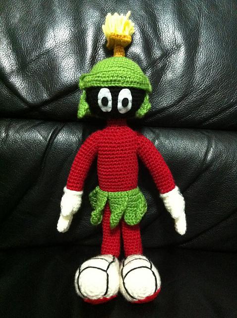 Freebie Friday: Elmer Fudd Crochet Pattern • One's Creative Mind   640x478