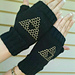 Triforce Mitts pattern