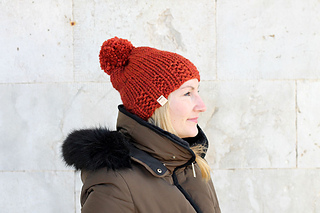 Ravelry: Chunky Ribbed Beanie Hat pattern by Louise Bollanos