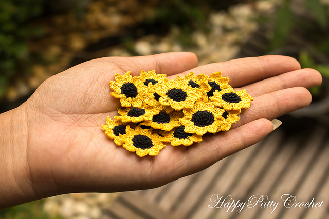 Ravelry: Happy Sunflower pattern by J. H. Winter | 427x640