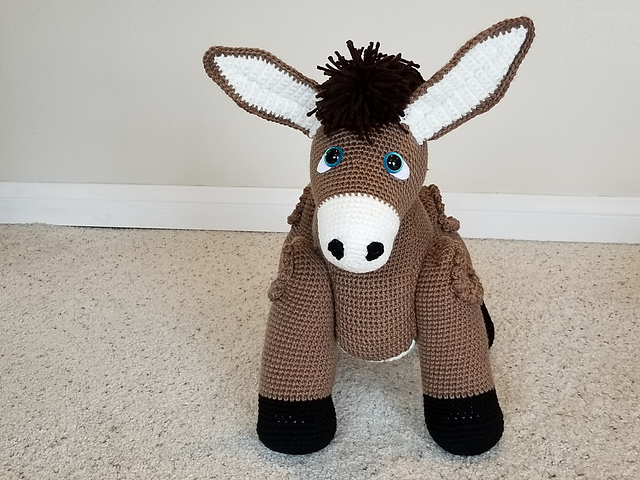 Laurence Donkey the Ami - Amigurumi Crochet Pattern | 480x640