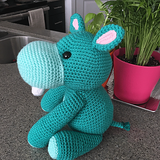 Betty the Hippo ❥ 4U // FREE PATTERN HERE | Crochet hippo ... | 320x320