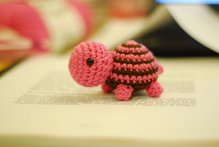 Pattern: Amigurumi Turtle - All About Ami | 214x320
