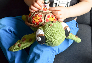 10+ Cutest Finding Dory Crochet Patterns | BeesDIY.com | 219x320