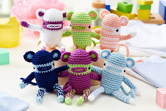 Little alien amigurumi pattern - Amigurumi Today | 427x640
