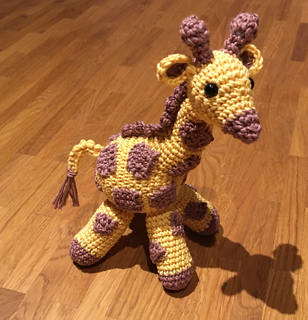 Ravelry: Baby Giraffe Amigurumi pattern by Courtney Deley | 640x616