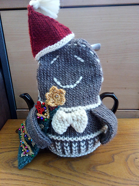 Christmas Tea Cozies 3 sizes, 4 characters, ebook 19