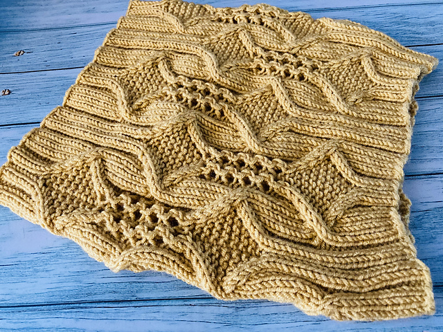 Diamond and Lace Cowl