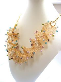 Ravelry: Crystal & Wire Spiral Necklace pattern by Suraya Rina Hossain